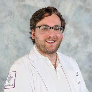 Alex Diaczok, residente, MD